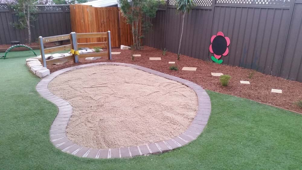 Sand pit Astro Tuft and walking steps