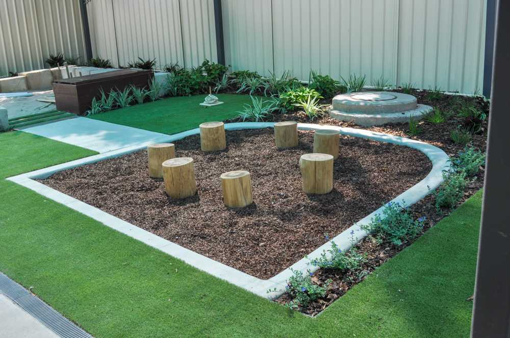 Annandale playscape, sandpit and plants