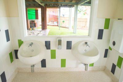 Tarragindi bathroom