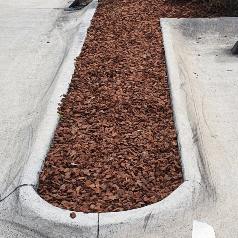 mulch and bark top up